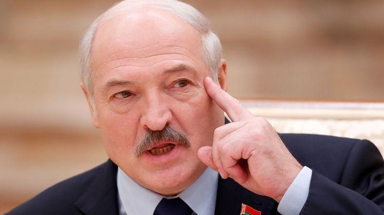 Лукашенко заявил, что отстранить его от власти может только белорусский народ