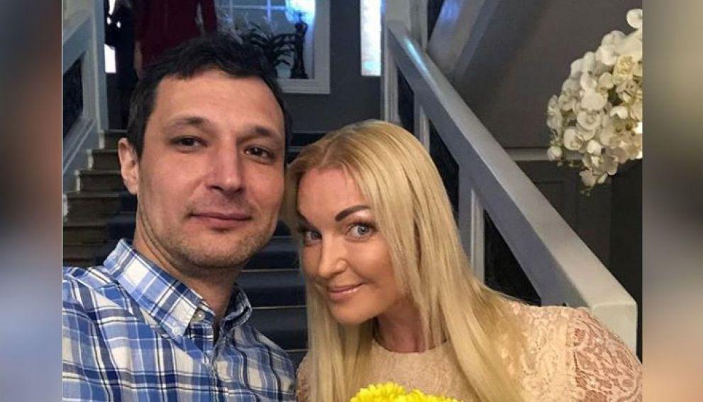 Анастасия Волочкова в первый раз назвала имя своего избранника