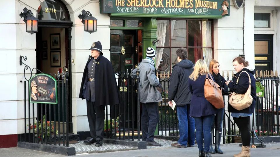 Дочь и внук Назарбаева оказались владельцами дома Шерлока Холмса в Лондоне