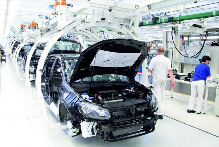 Бум производства автомобилей в России может привести к обвалу рынка