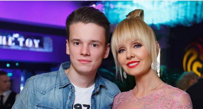 Младший сын Валерии купил на 22-летие Maybach за 10 миллионов рублей