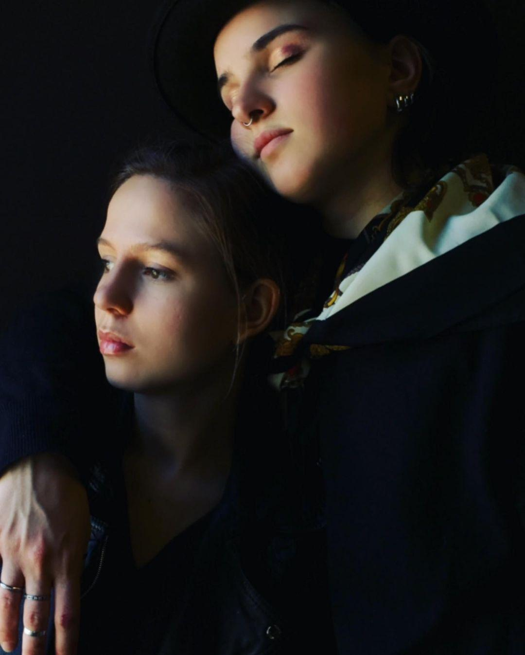 Анна и Ольга, Instagram