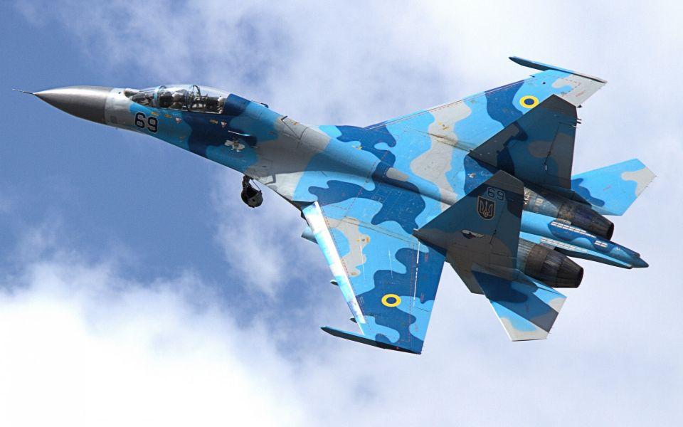 Российский Су-27 перехватил американский самолет-разведчик над Черным морем