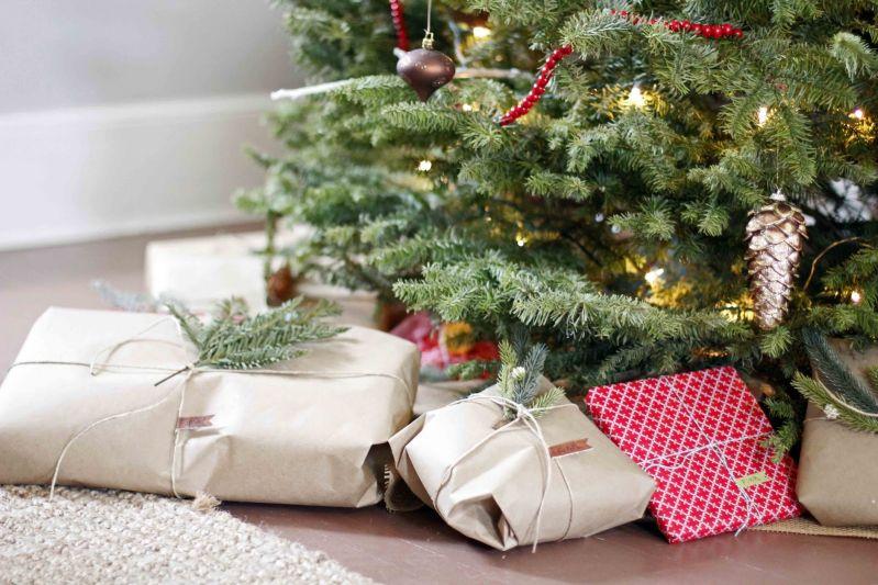 Россияне составили список худших подарков на Новый год