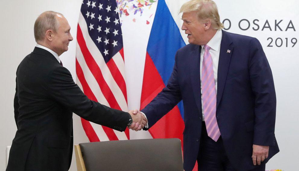 Песков рассказал, почему Путин ещё не поздравил Байдена