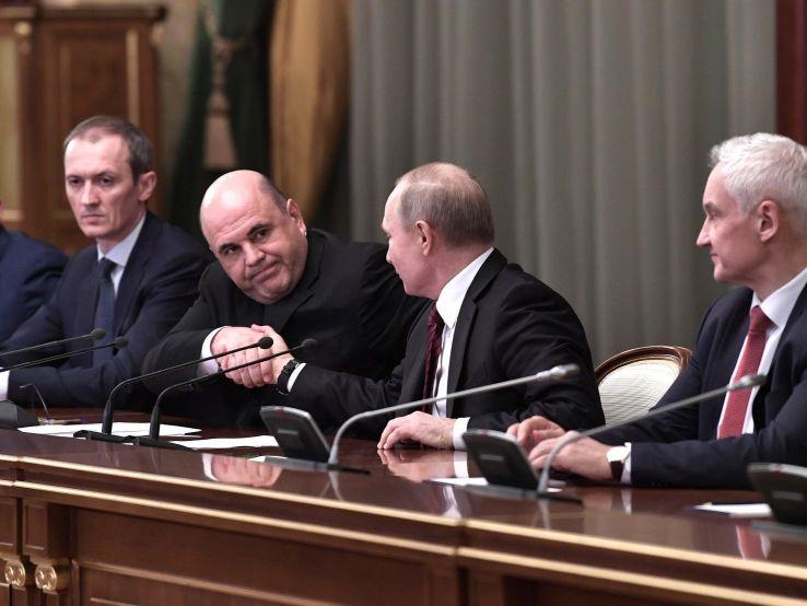 В Кремле назвали ротационным процессом перестановки в правительстве