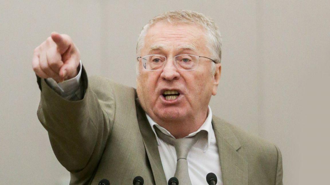 Жириновский предложил оставить Навального за границей и аннулировать его паспорт