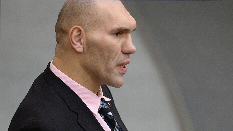 Валуев поделился ожиданиями от боя Майка Тайсона и Роя Джонса-младшего
