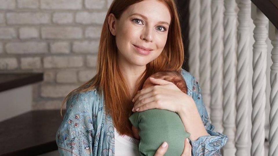 Подольская опубликовала нежный снимок с новорожденным сыном