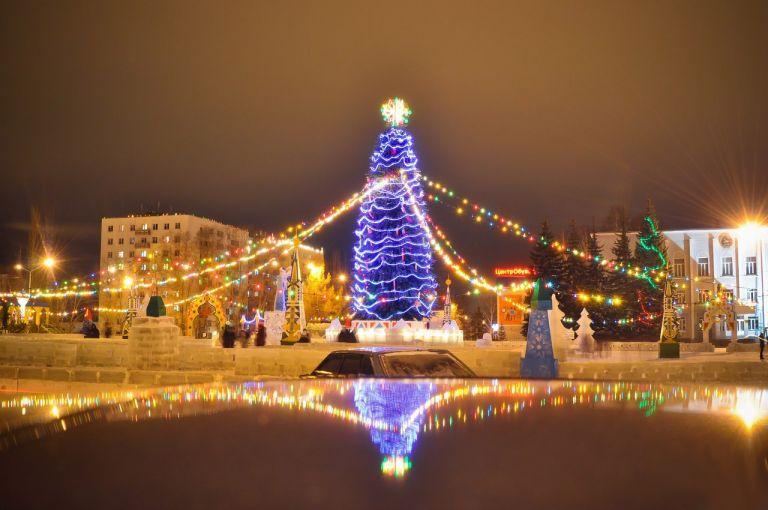 Глава Башкирии поручил разработать нормы празднования Нового года