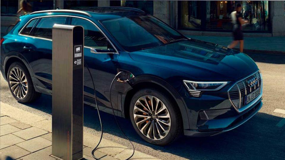 Продажи электромобилей в России в октябре выросли в 3 раза