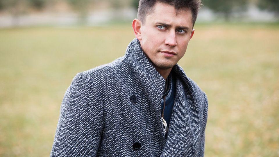 Павел Прилучный сделал фото со звездой фильма «Батальон»