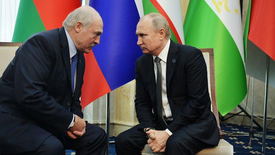 Политолог Карбалевич: «Лукашенко планирует сбежать в Россию»
