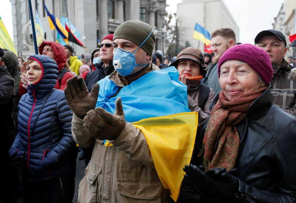 Украине грозит экономическая «мясорубка» из-за коронавируса