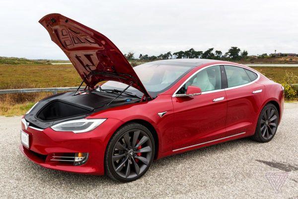 Великобритания запретит продавать машины на бензине и дизеле с 2030 года