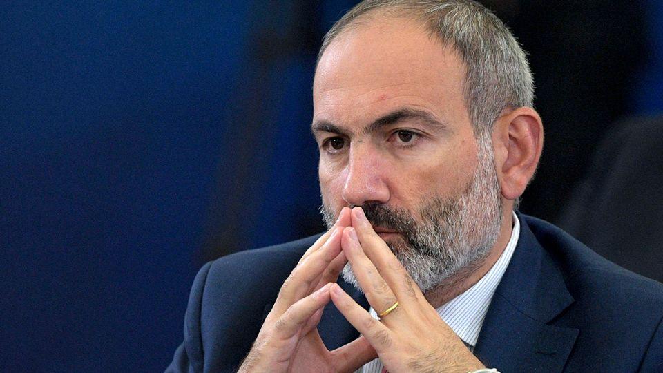 Власть в обмен на Карабах. В Армении рассказали о том, что сделал Пашинян