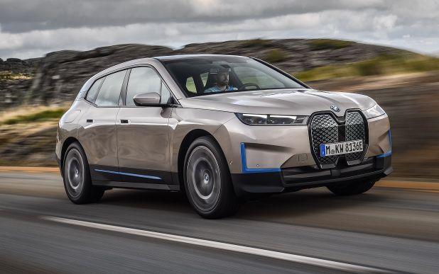 BMW представил серийный электрокроссовер BMW iX