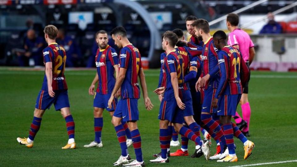 «Барселона» не достигла соглашения с игроками о сокращении зарплат