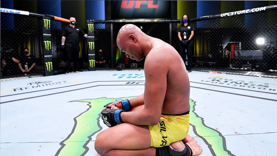 UFC разорвал контракт с бывшим чемпионом Андерсоном Силвой