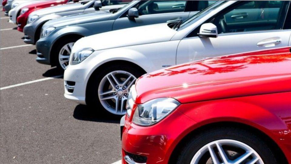 Россияне назвали приемлемую цену для покупки автомобиля с пробегом