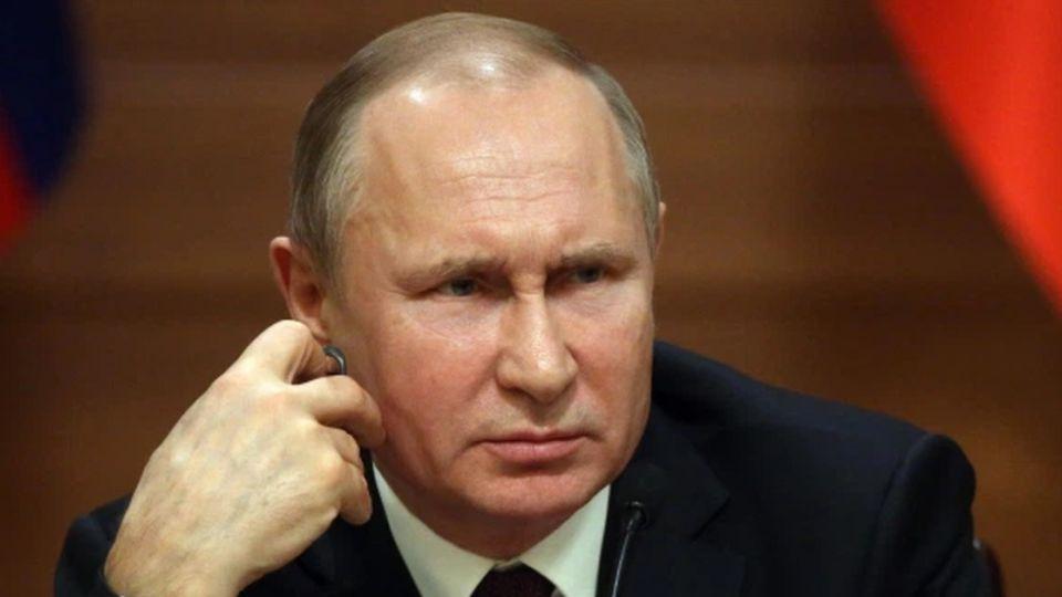 В 2021 году: таролог назвала точный месяц ухода Владимира Путина с поста президента
