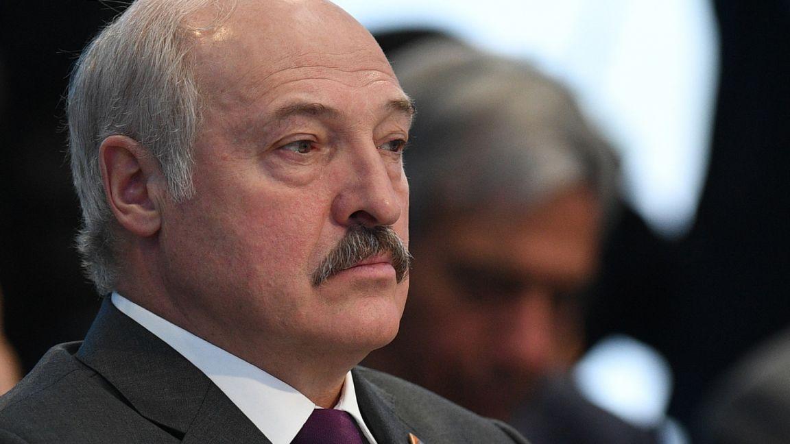 Лукашенко отверг обвинения в фашизме