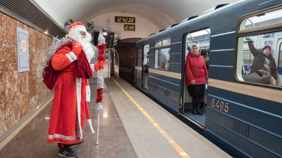 Метро Петербурга откажется от круглосуточной работы на Новый год