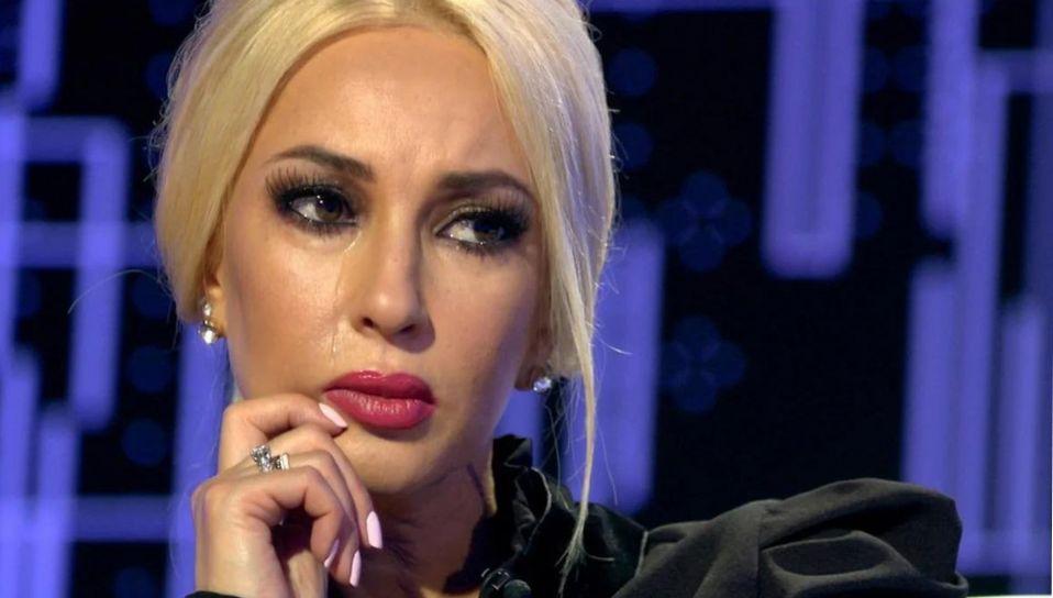 Лера Кудрявцева сообщила со сцены о новой трагедии в своей жизни