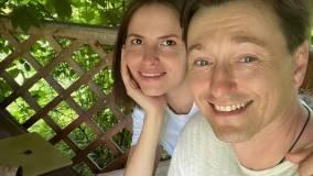Сергей Безруков объявил о беременности Анны Матисон для пресечения слухов