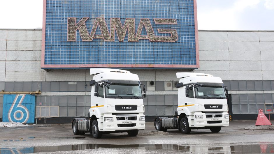 Продажи новых грузовиков в России в октябре снизились на 9%