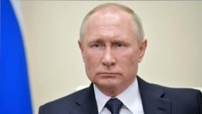 Путин в День народного единства принес цветы к памятнику Минину и Пожарскому