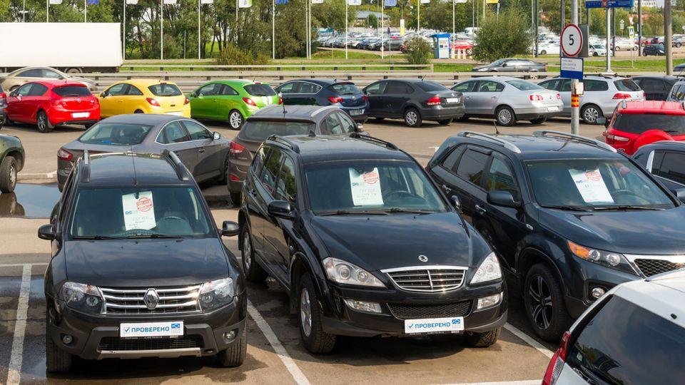 Автоэксперт сказал, стоит ли сейчас покупать подержанную машину