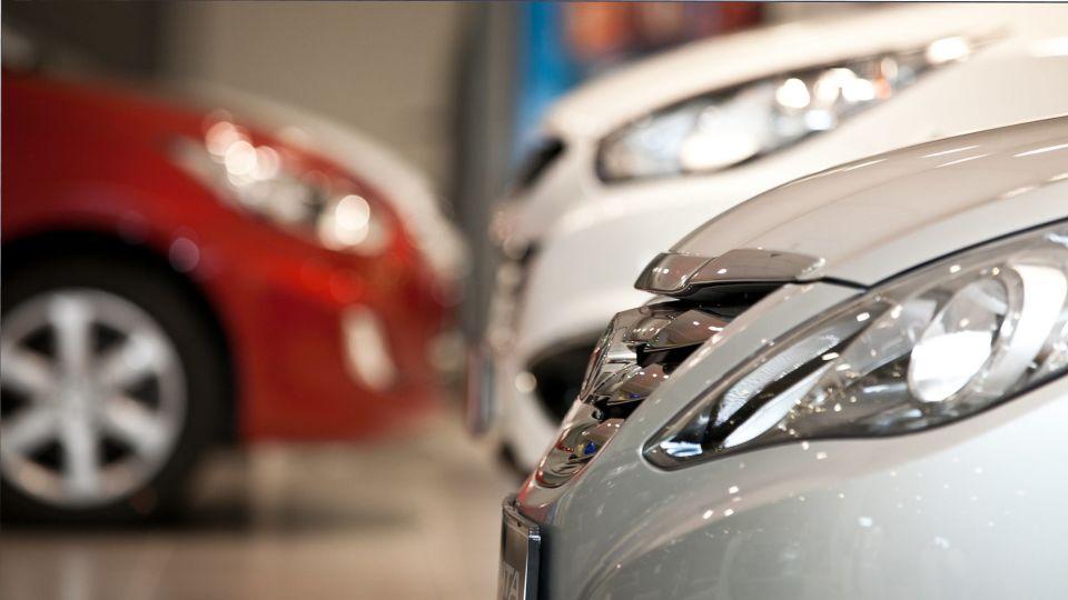 В России дилеры столкнулись с дефицитом популярных у россиян автомобилей