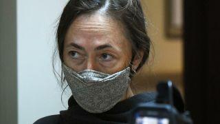 Жена Ефремова отказалась комментировать информацию о разводе