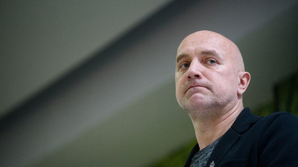 Захар Прилепин рассказал, что ждет российских артистов, когда он придет к власти