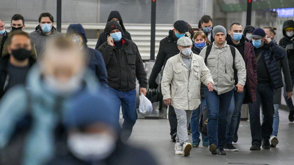 В России спад заболеваемости COVID-19 прогнозируют в конце ноября