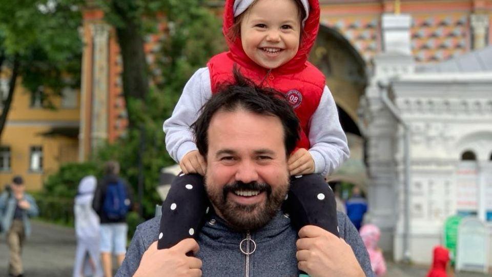 Экс-резидент Comedy Club Антон Лирник рассказал о смерти восьмилетней дочери
