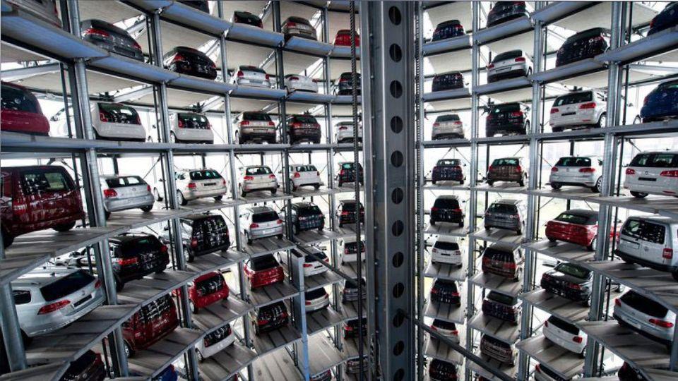 Продажи машин Lada в Европе снизились в 7,9 раза