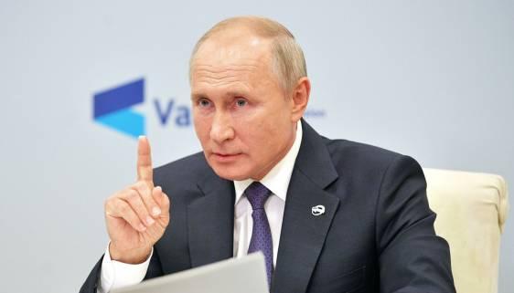 Путин пошутил о простуде на похоронах недоброжелателей России