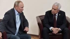 Путин принял отставку главы Дагестана и назначил его советником