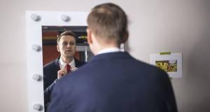 Навальный решил подать в суд на Пескова за слова о работе с ЦРУ