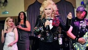 Экс-солистка группы «Мираж» Светлана Разина устроила «пьяный концерт»