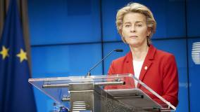 Глава Еврокомиссии ушла на самоизоляцию из-за коронавируса