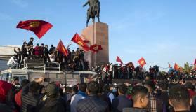 Президент Киргизии ввел режим ЧП в Бишкеке и призвал ввести войска