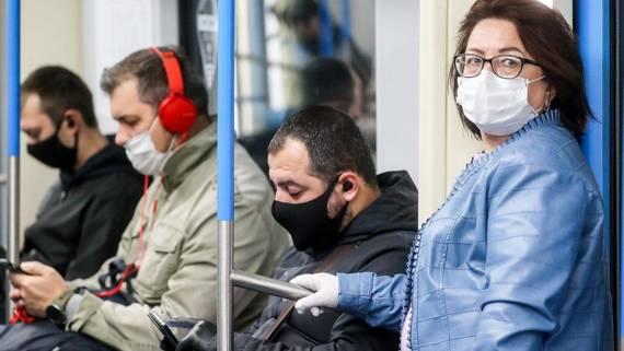 В Госдуме назвали способ заставить россиян носить маски и перчатки