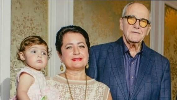 Вчера: Жена Эммануила Виторгана переживает, что у младшей дочери глаза разного цвета