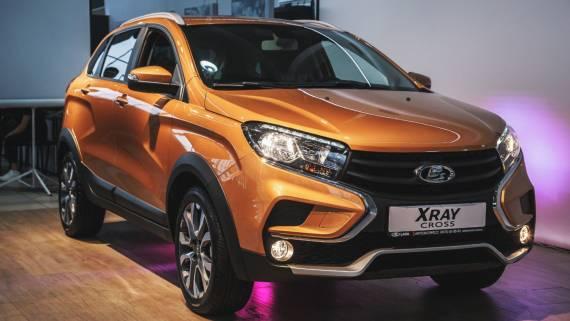 «АвтоВАЗ» начал продажи новых версий Xray Cross и 4x4