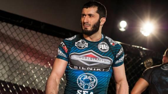Мамед Халидов нокаутировал Скота Асхэма и вернул титул KSW в среднем весе