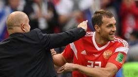 Гусев предположил, почему Черчесов не захотел менять Дзюбу в матче с Турцией