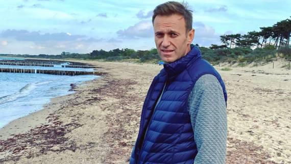 Немецкие читатели осудили Навального за оскорбление бывшего канцлера ФРГ